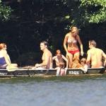Blake-Lively-et-Ryan-Reynolds-a-Lakeside-a-New-York-le-4-juillet-2012 (10)