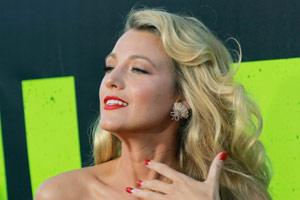 Blake Lively : laissez-vous hypnotiser par le charme envoutant de la sublime blonde ! (photos)
