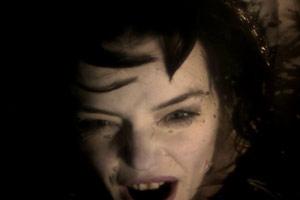 Roxane Mesquida dans le dernier vidéoclip de Marilyn Manson : No Reflection ! (vidéo et photos)